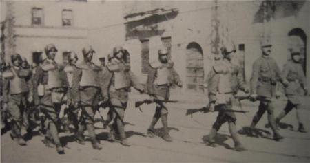 Compagnie della Morte con le corazza tipo Farina