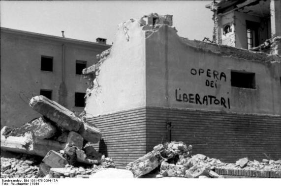 Italien, Rom, zerstörtes Gebäude