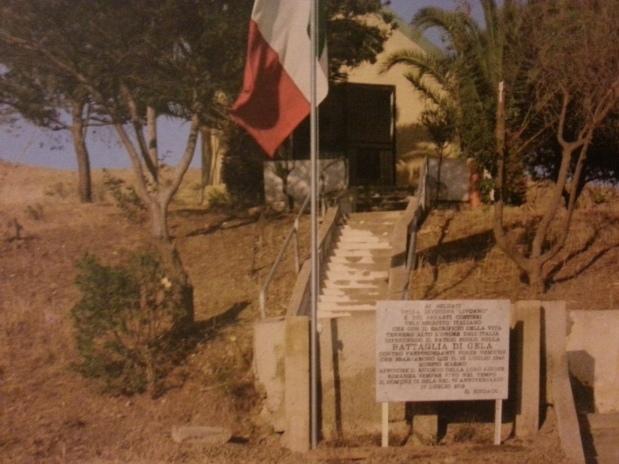 la-lapide-che-commemora-la-battaglia-di-Gela-sulla-strada-provinciale-n.8-per-Butera