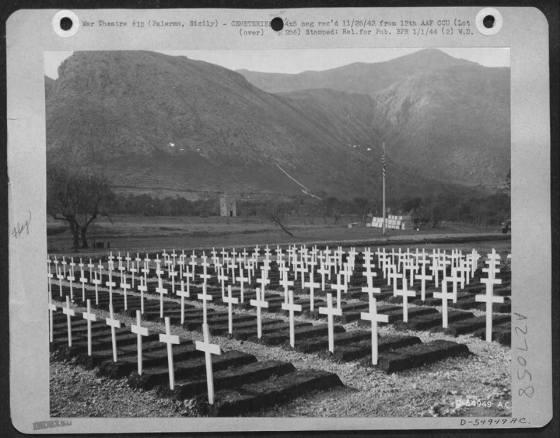 mitero militare americano (provvisorio) alla Villa del Conte Amari, nella tenuta Bonocore di Palermo, 1943