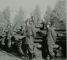 Plotone Carri R35 schierati in Sicilia gennaio 1943