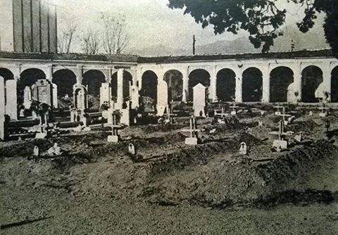 Un angolo del Cimitero di Ivrea dove venne sepolto il Comandante Bardelli insieme ad altri Ufficiali e Marò del Barbarigo caduti nell' imboscata di Ozegna.