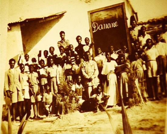 Campo di Danane foto di gruppo di prigionieri