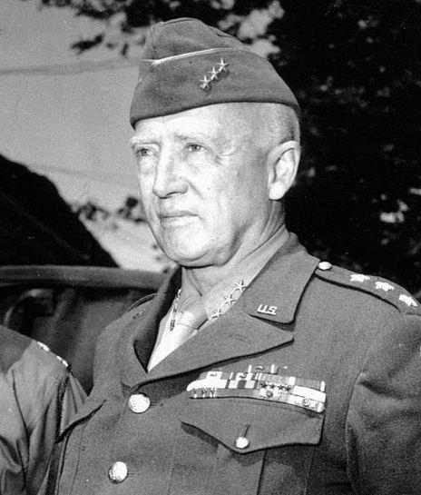 Il generale Patton, comandante della 7ª Armata statunitense