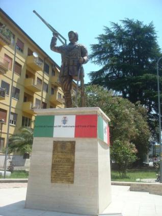 Il monumento dedicato a Toti a Cassino(Roma)