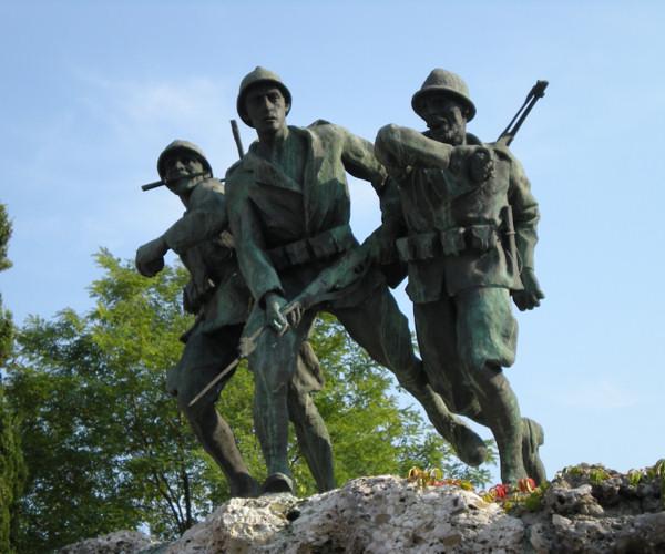 Monumento ai caduti a Sernaglia della Battaglia 3