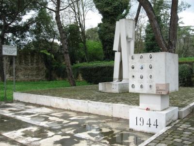 Monumento alla strage di Ravenna 25 agosto 1944