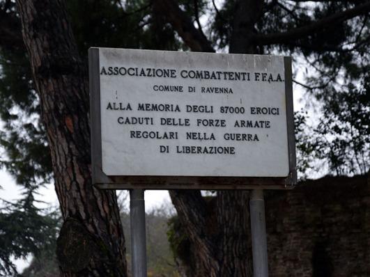 targa_commemorativa_ai_caduti_delle_forze_armate