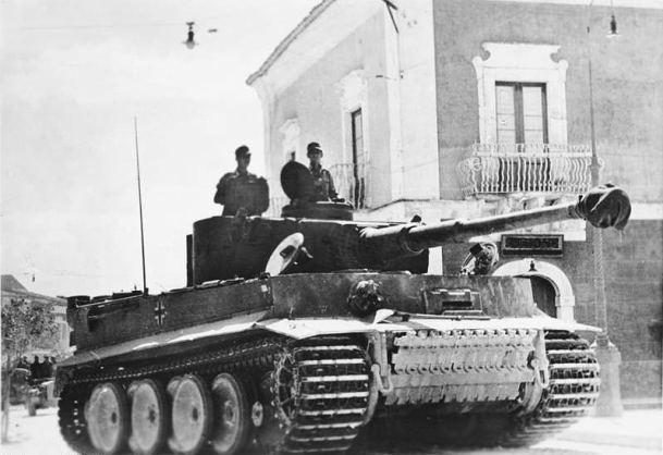 Tiger della divisione corazzata Hermann Göring in Sicilia