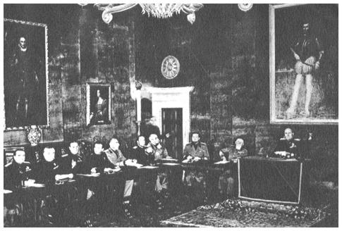 """Il Gran Consiglio del Fascismo proclama la """"non belligeranza"""" dell_Italia."""