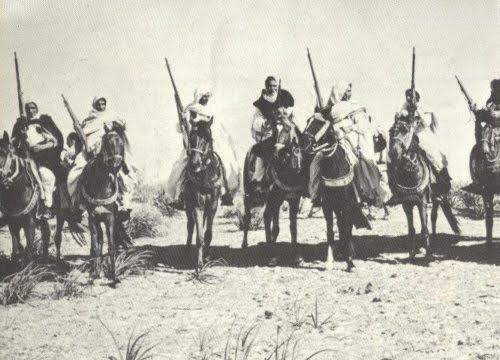 Omar al-Mukhtar alla guida dei Mujāhidīn (Patrioti)