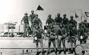Si trovavano a Tobruch i fanti da sbarco del Battaglione San Marco..jpg
