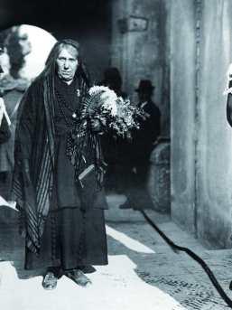 Maria Bergamas, madre di un disperso della prima guerra mondiale, che scelse, il 28 ottobre 1921, la salma da inumare all'Altare della Patria