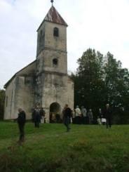 Poloj, chiesa campestre presso il luogo della battaglia