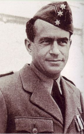 Ernesto Botto ripreso all'epoca della guerra civile spagnola