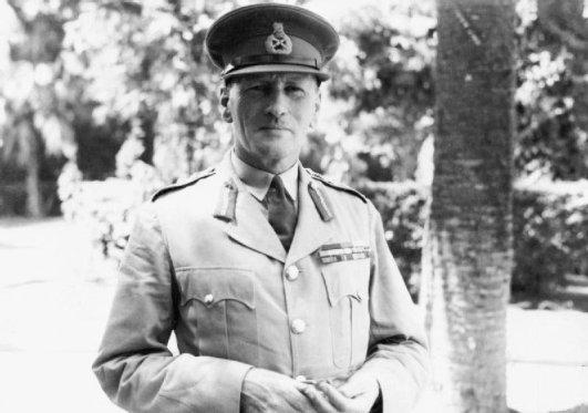 Il generale Claude Auchinleck, comandante in capo britannico del teatro del Medio Oriente.
