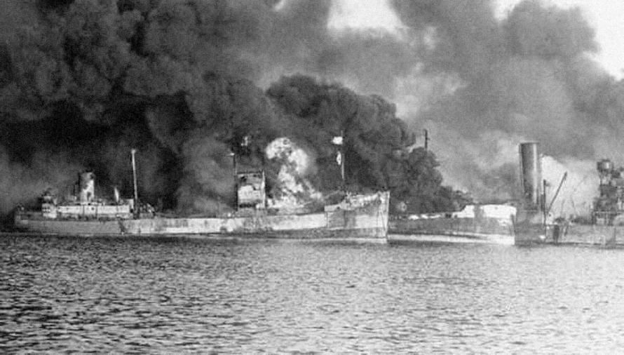 bombardamento-di-bari-2-dicembre-1943-2.jpg