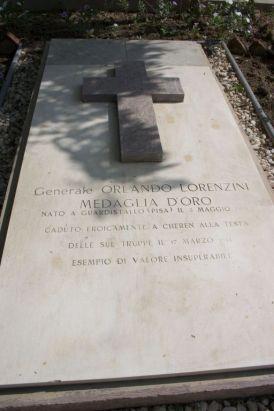 La tomba del generale Lorenzini