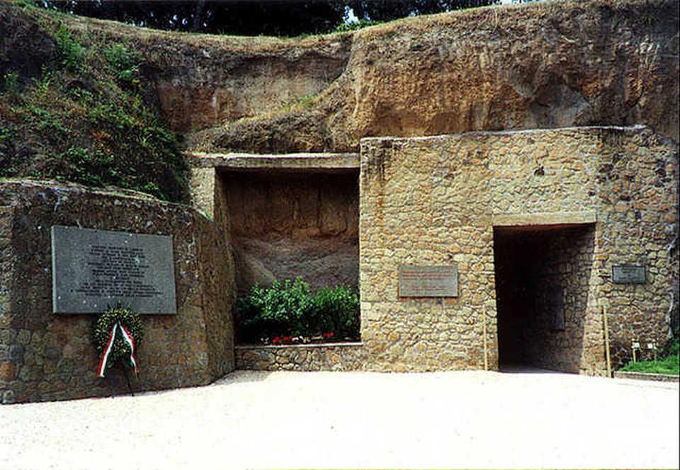 L'ingresso del Sacrario delle Fosse Ardeatine