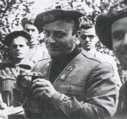 Osvaldo Valenti con l'uniforme della Xª Flottiglia MAS