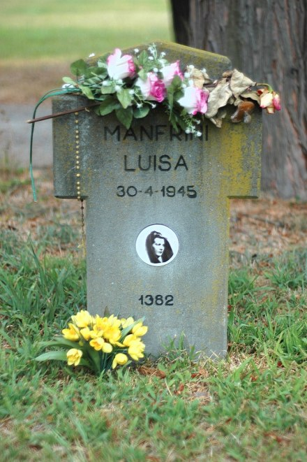 Tomba di Luisa Ferida Manfrini Farné al Campo X del Cimitero Maggiore di Milano