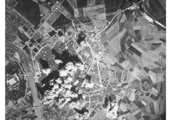 Alessandria 5 aprile 1945 vista dall'alto.jpg