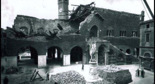 Palazzo del 300 Treviso dopo il bombardamento 2