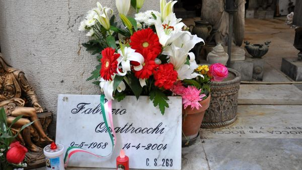 Tomba Fabrizio Quattrocchi.jpg