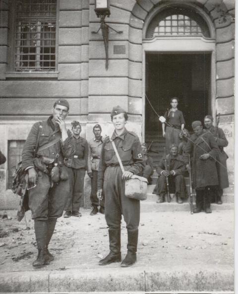 2_maggio_1945_jugoslavi_a_trieste.jpg