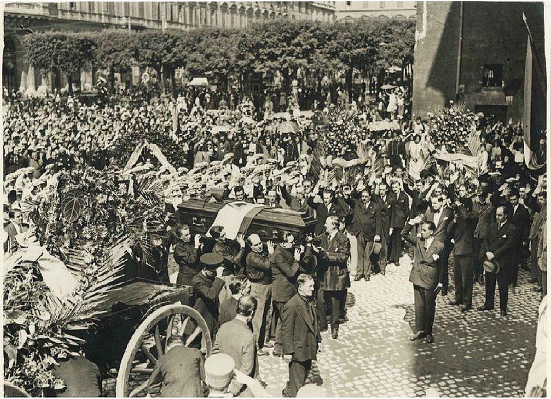 Il funerale di Stato a Baracchini.jpg