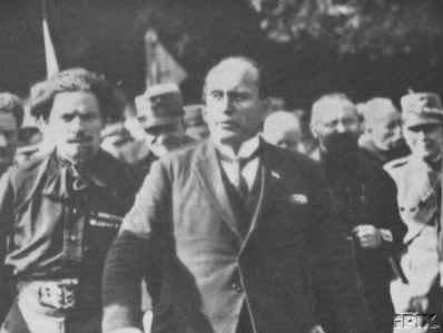 Balbo a fianco di Mussolini durante la Marcia su Roma