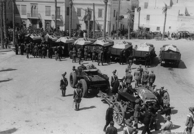 Immagine dei funerali solenni a Tripoli