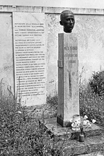 Monumento al Sergente Maggiore Ferrari Ferruccio.jpg