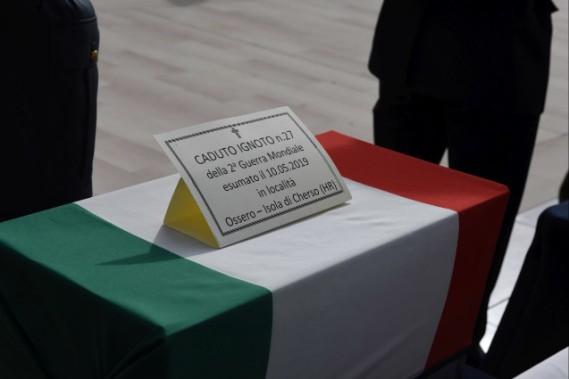Cerimonia di tumulazione caduti X MAS Bari 13 novembre 2019 2.jpg