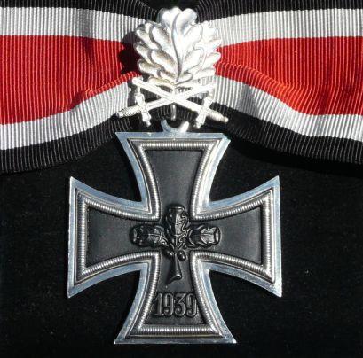 Croce di Cavaliere della Croce di Ferro con Fronde di Quercia, versione del 1957