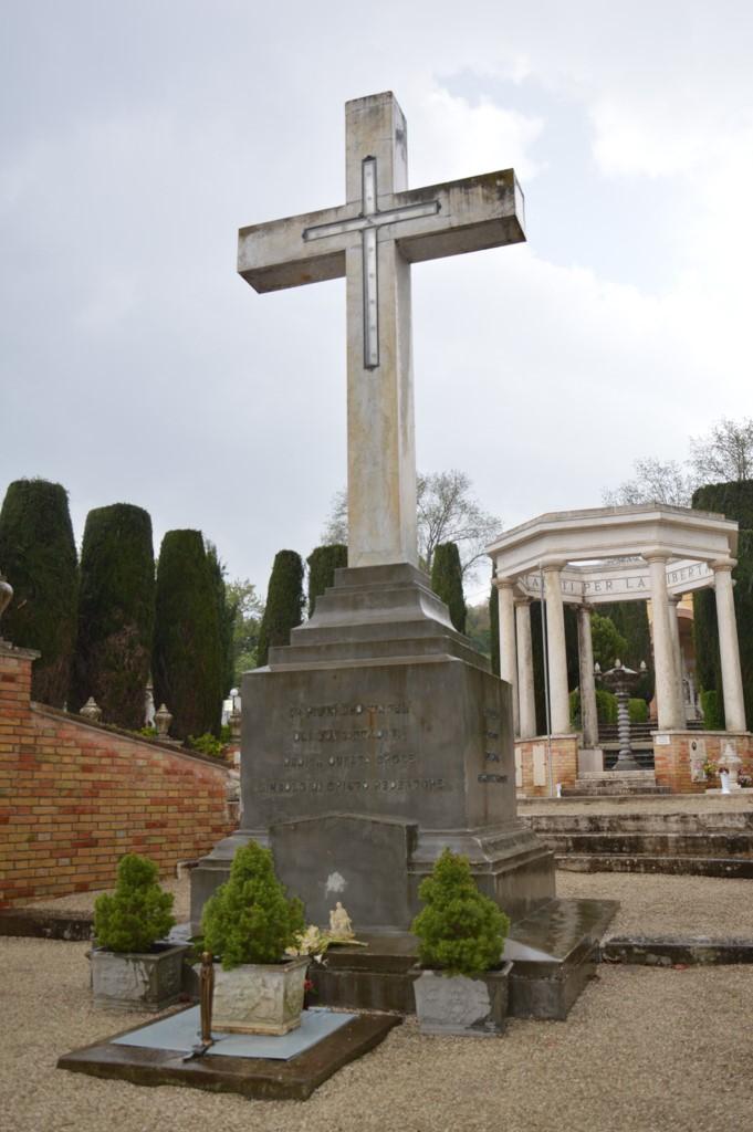 Monumento eccidio di Montalto di Cessaplaombo 22 marzo 1944